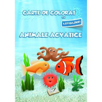 Carte de colorat cu abtibilduri. Animale acvatice (Ars Libri)